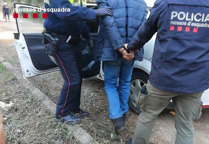 Los criminales incluso contaban con un perro para vigilar los robos. (La Vanguardia)
