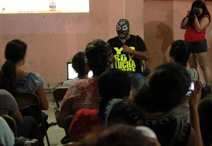 Dentro de la presentación de proyectos, también hubo una exhibición de Lucha Libre con la participación de gladiadores yucatecos. (Jorge Acosta/Milenio Novedades)