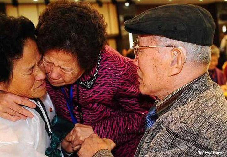 Desde el fin del conflicto armado han habido 18 reuniones entre Corea del Sur y Corea del Norte sobre las familias separada. (dw.de)