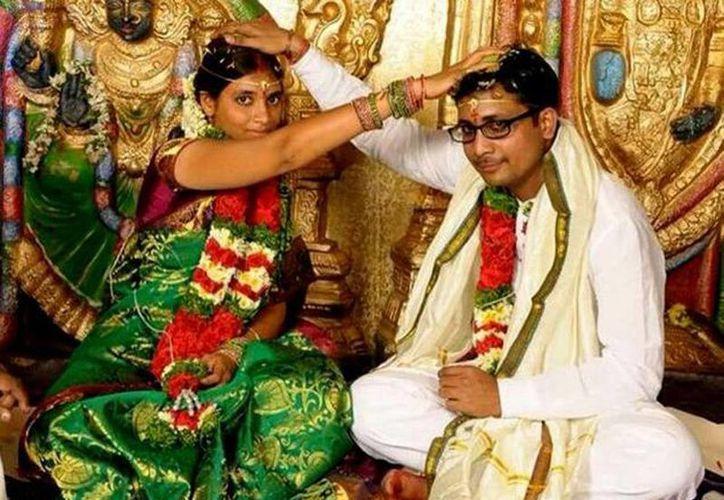 Una fotografía del matrimonio de Pachala Deepthi y Ananthapalli Kiran Kumar. (thehindu.com)