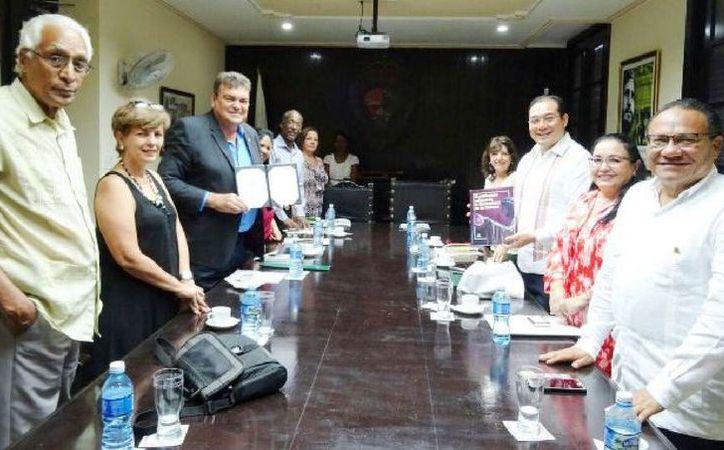 Durante la visita a la Universidad de La Habana, académicos y rector de la Uqroo impartieron conferencias. (Joel Zamora/SIPSE)