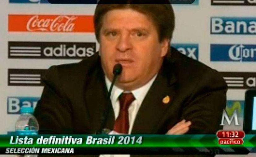 Miguel Herrera durante la conferencia de prensa en la que dio a conocer la lista de jugadores del Tri para el Mundial 2014. (Captura de pantalla Milenio Tv)