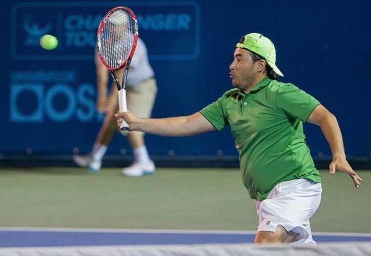 Daniel Garza, de 31 años, ocupa la posición Mil 064 en el ranking mundial del Tenis Profesional.(Notimex)
