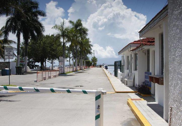 La nueva terminal contempla las áreas de migración, aduana y abordaje. (Harold Alcocer/SIPSE)
