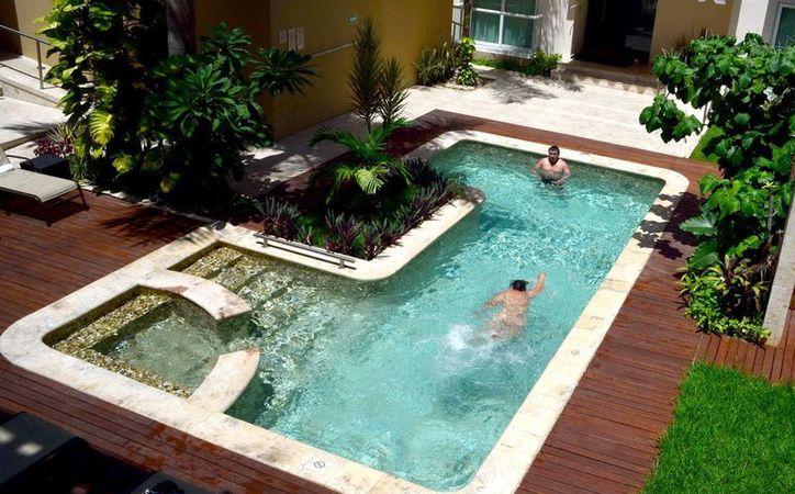Incrementa la demanda de piscinas en predios de yucat n for Construccion de albercas precios