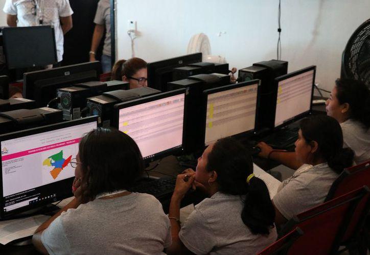 El PREP continúa con la contabilización de las actas. (Daniel Sandoval/Milenio Novedades)