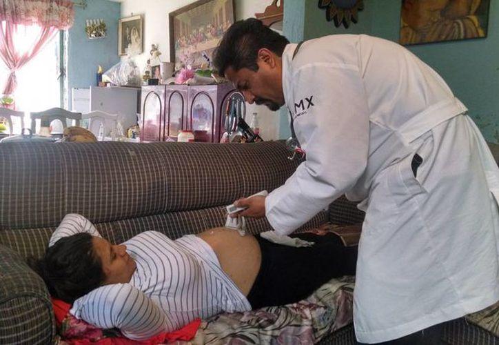 El cuidado de las mujeres embarazadas es uno de los puntos más fuertes del programa capitaino 'El médico en tu casa'. (Gobierno de la Ciudad de México)