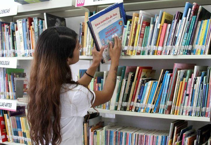 La Biblioteca Pública Jaime Torres Bodet cuenta con un acervo de 16 mil ejemplares. (Octavio Martínez/SIPSE)