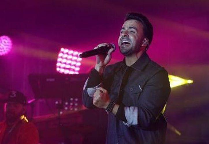El cantante ofreció el primer concierto acústico del Grammy Latino. (Instagram)