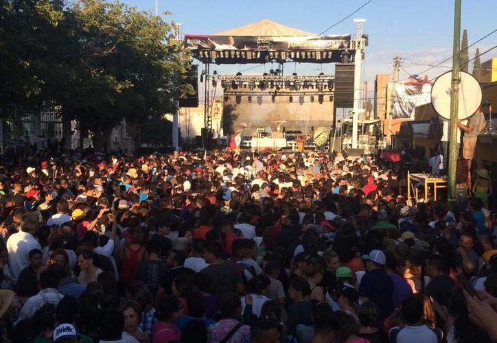 Una misa y un homenaje se realiza este sábado en Ciudad Juárez en honor a Juan Gabriel. (Notimex)