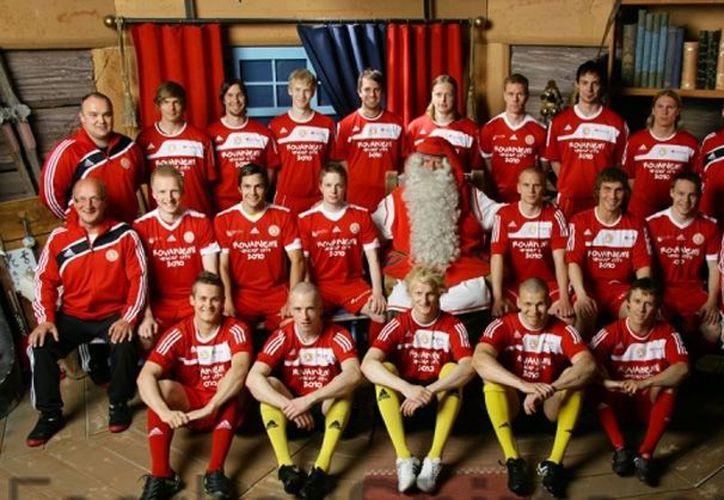 El Santa Claus FC nació en la ciudad del norte de Finlandia, que tiene 60 mil habitantes, de la fusión de los clubes Rovaniemen Reipas FC y Rovaniemen Lappi FC. (football-shirts.co.uk)