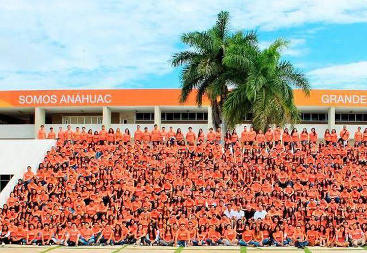 En imagen, alumnos de la Universidad Anáhuac Mayab. (Milenio Novedades)