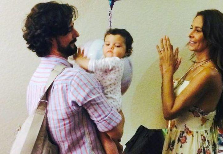 El empresario Jorge Monje quedó viudo hace menos de un año. Era el esposo de Lorena Rojas. Hoy falleció. (thehuffingtonpost.com)