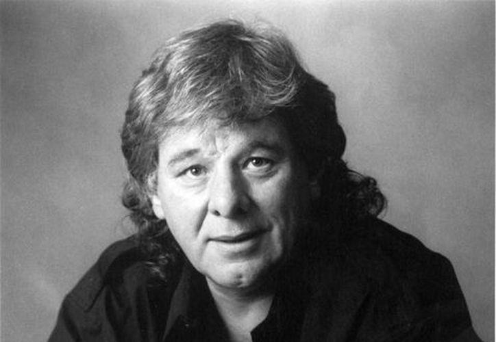 El compositor musical Wayne Carson, quien aquí aparece en una foto de 1997, falleció este lunes a los 72 años de edad. (Foto: AP)