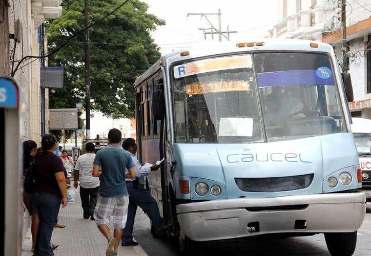 La Dirección del Transporte local descartó un aumento en  los precios del pasaje, tal y como se difundió en redes sociales  el pasado lunes. (Archivo/SIPSE)