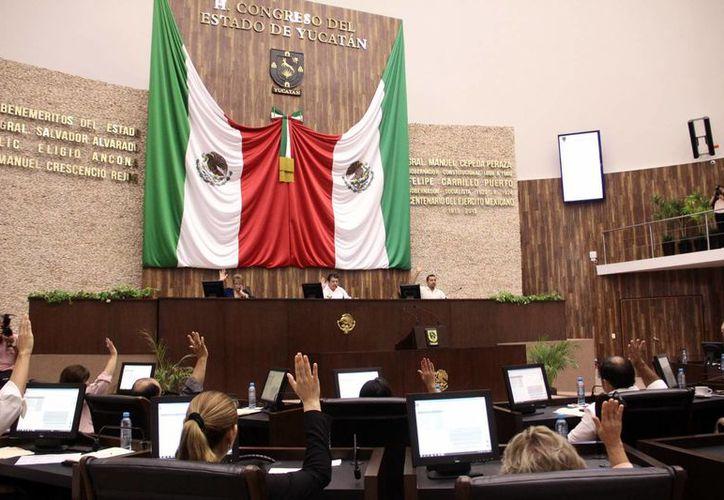 Aspecto de la sesión de ayer del pleno del Congreso del Estado donde cuestionaron la adquisición del predio donde estaría el nuevo centro de convenciones. (Milenio Novedades)