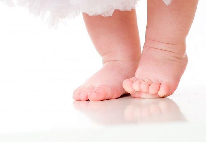 La bebé estaba en su cuna cuando un hombre la atacó; Guillermo N, es buscado por las autoridades. (Internet)