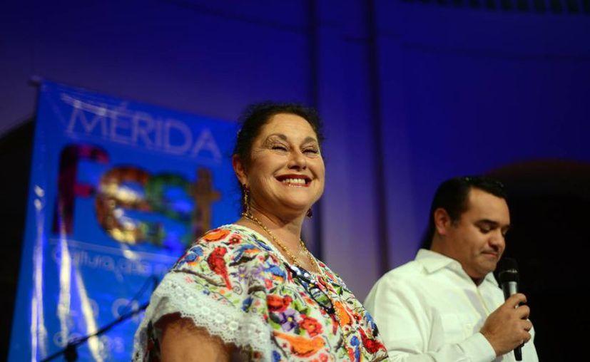 Angélica Aragón fue la actriz invitada en la apertura de los festejos de la ciudad. (Luis Pérez/SIPSE)