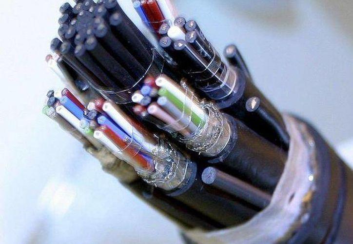 Telecomm tendrá acceso compartido a la fibra óptica de la CFE. (Archivo/SIPSE)