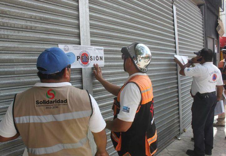 Las obras de remodelación de un local fueron suspendidas debido a que carecían de las medidas de seguridad apropiadas. (Daniel Pacheco/SIPSE)