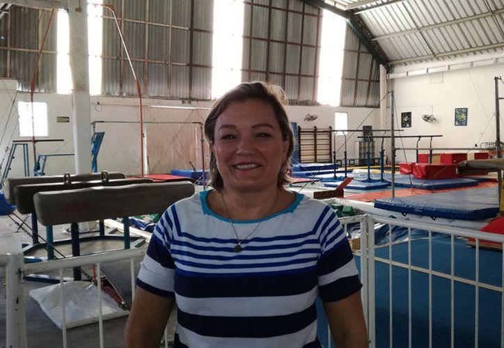 La señora Beatriz Várguez Méndez recordó tantas dificultades que ha sorteado incluso desde antes de abrir el gimnasio Ego.