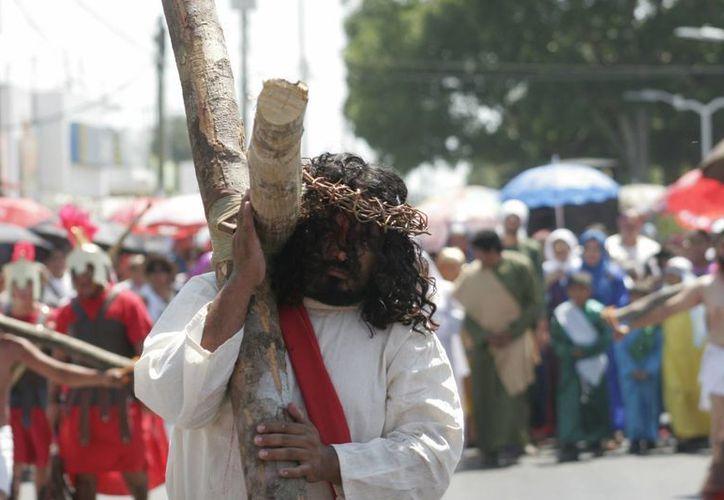 El viacrusis del Viernes Santo iniciará a las 13 horas en el patio de la parroquia. (Redacción/SIPSe)