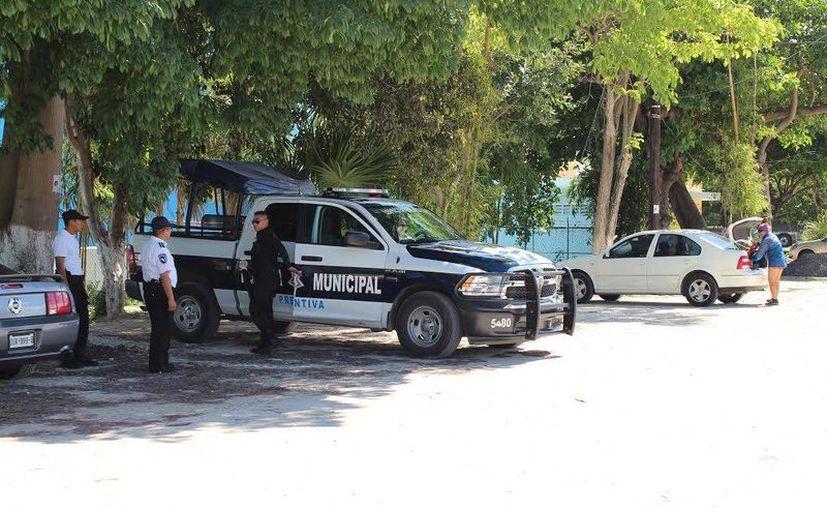 Policías municipales implementan operativo en el inicio de la zona hotelera. (Archivo/SIPSE)