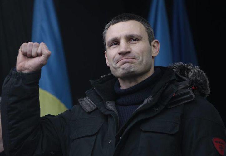 """El CMB declaró a Klitschko """"campeón emérito"""", lo que le permitirá pelear si decide reanudar su carrera. (Agencias)"""