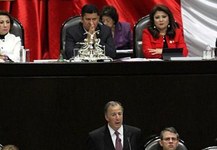 José Antonio Meade acudió a la Cámara de Diputados con motivo de la glosa del Cuarto Informe de Gobierno y la propuesta de paquete económico 2017. (Notimex)