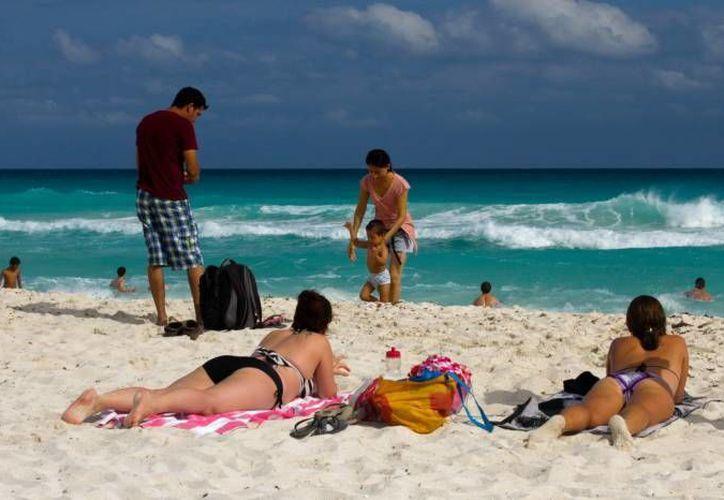 La Semar emitió recomendaciones para disfrutar sin peligro de las playas. (Archivo/SIPSE)