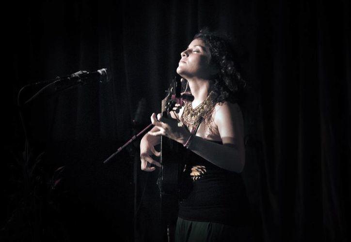 María Moctezuma  adelantó que estrenará el tema 'Hanal Pixán'. (Milenio Novedades)