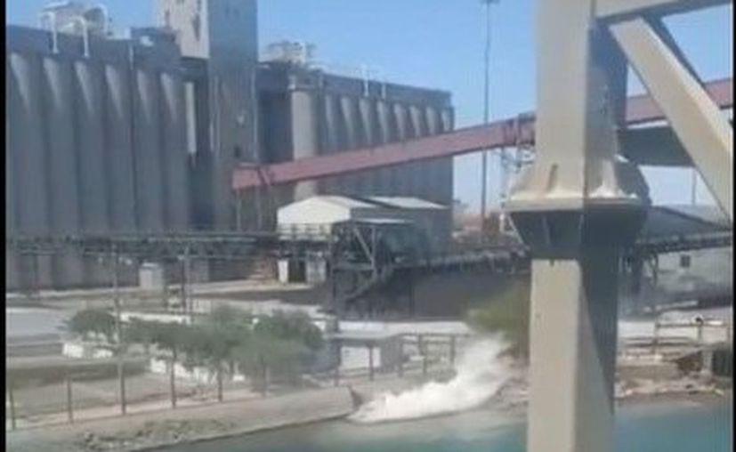 Este derrame de ácido sulfúrico ocurre luego de que hace casi cinco años Grupo México derramara 40 mil metros cúbicos de metales tóxicos al río Sonora. (Twitter)