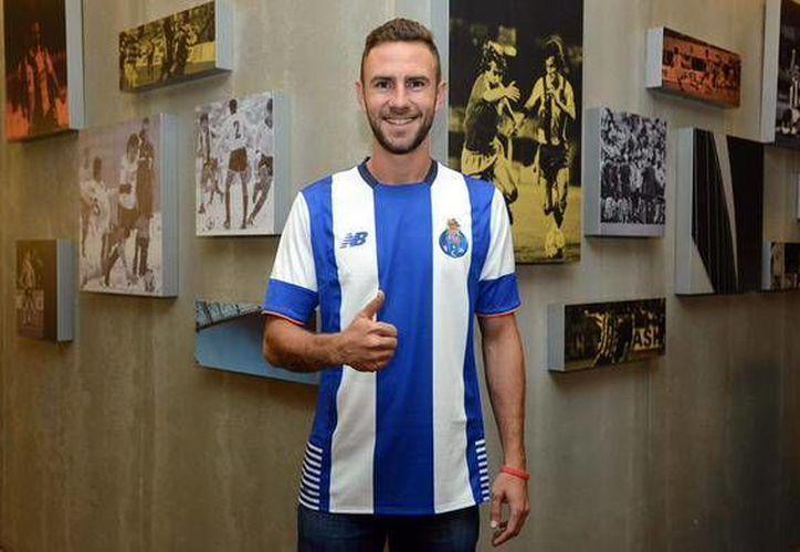Miguel Layún llega en calidad de préstamo a las filas del Fútbol Club Oporto, proveniente del Watford de Inglaterra. (Twitter: @FCPorto)