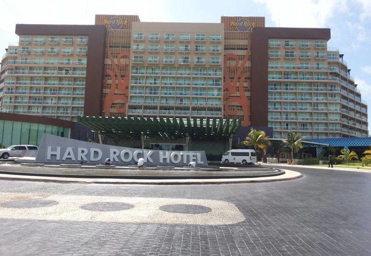 El Hard Rock pretende convertir el inmueble en un hotel familiar, con escenario para conciertos. (Jesús Tijerina/SIPSE)