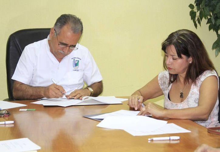 El Instituto Tecnológico de Cancún (ITC), se convirtió en una de las entidades recolectoras de aceite. (Sergio Orozco/SIPSE)
