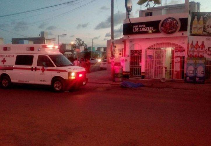 El reporte de una persona baleada activó esta tarde el Código Rojo en Cancún. (Redacción/SIPSE)