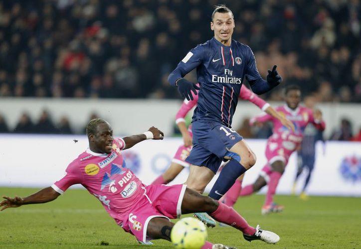Ibrahimovic abrió el marcador a los 28 minutos con su 14to gol de la temporada en la liga francesa. (Agencias)