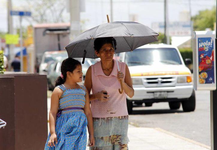 Las lluvias ligeras e inapreciables en algunos casos darán tregua al intenso calor. (SIPSE)