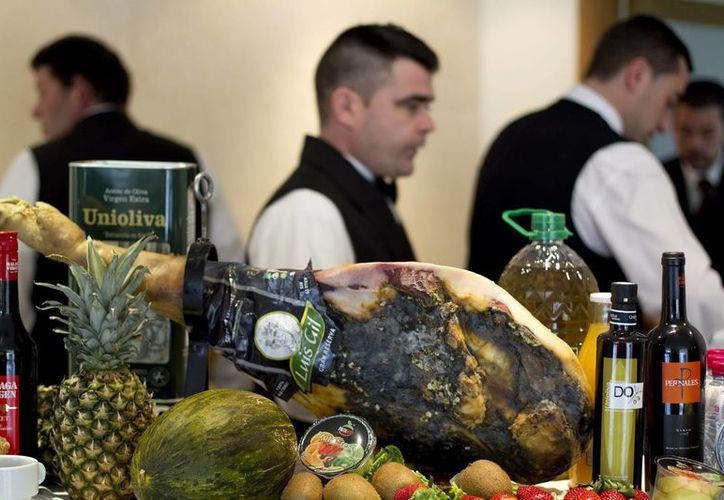 Varios productos típicos de la dieta mediterranea. (Archivo/EFE)