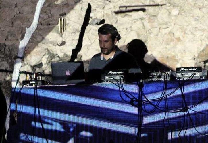 El italiano Leombruni hará un recorrido sonoro por distintos géneros durante su próxima presentación en el Festival Electrokiss en la Feria Yucatán Xmatkuil. (Milenio Novedades)