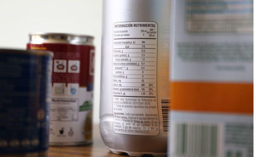 La industria de alimentos y bebidas no alcohólicas inició una rebelión legal contra el nuevo etiquetado nutrimental a poco más de dos meses de su entrada en vigor, prevista para el 1 de octubre. (Foto: Reforma).