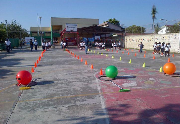 La SEQ considera obligatorio realizar actividades físicas dentro de los planteles escolares. (Juan Palma/SIPSE)