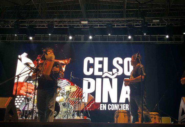 El grupo musical se presentó en el Centro de Espectáculos Nichupté. (Jocelyn Díaz/SIPSE)