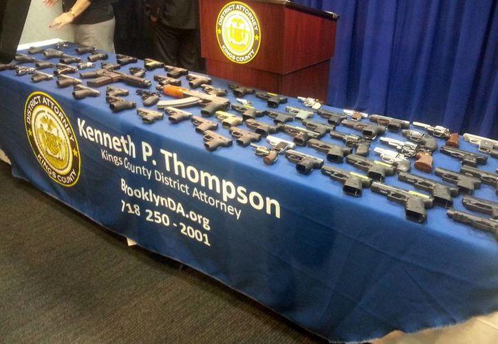 El contrabando de armas en aviones de pasajeros pone en entredicho los controles de seguridad antiterrorista. (AP)