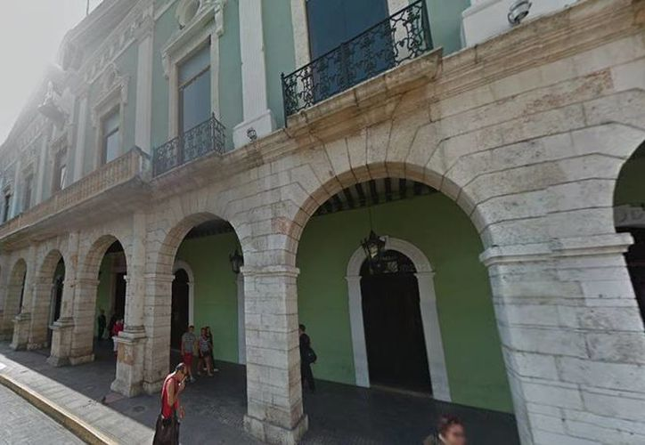 Empresarios están a la expectativa de que el gobierno local mejore su desempeño con los cambios que realizó en el gabinete estatal. Imagen del Palacio de Gobierno de Yucatán. (Milenio Novedades)
