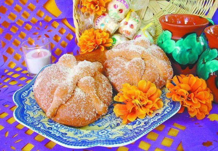 El pan de muerto fue modificando de diversas maneras hasta llegar al actual. (Contexto/Internet)