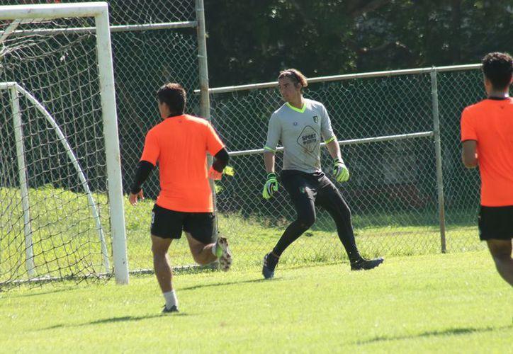 Alejandro Dogre se siente agradecido por la confianza que le brindar para poder entrenar con Venados FC (Foto: Jorge Acosta/SIPSE)