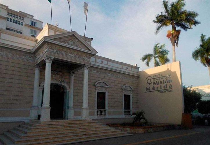 Imagen del hotel Misión Panamaericana asaltado la mañana de este lunes 30 de noviembre de 2015, el cual está ubicado en la calle 59 entre 52 y 52 del centro de Mérida. (Internet)