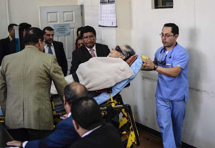 """Un informe médico dice que el exdictador guatemalteco Efraín Ríos Montt """"no es competente"""" para asistir a juicio por genocidio. (EFE/Archivo)"""