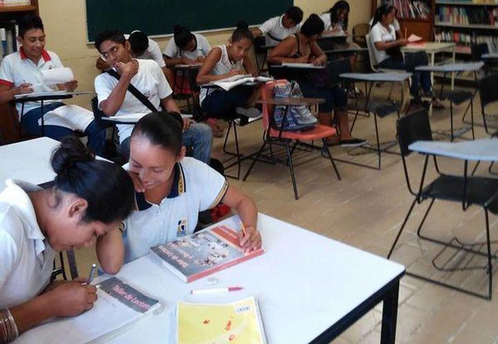 La aplicación del examen será el 2 de julio próximo de manera simultánea en todo el país. (Foto: Redacción / SIPSE)